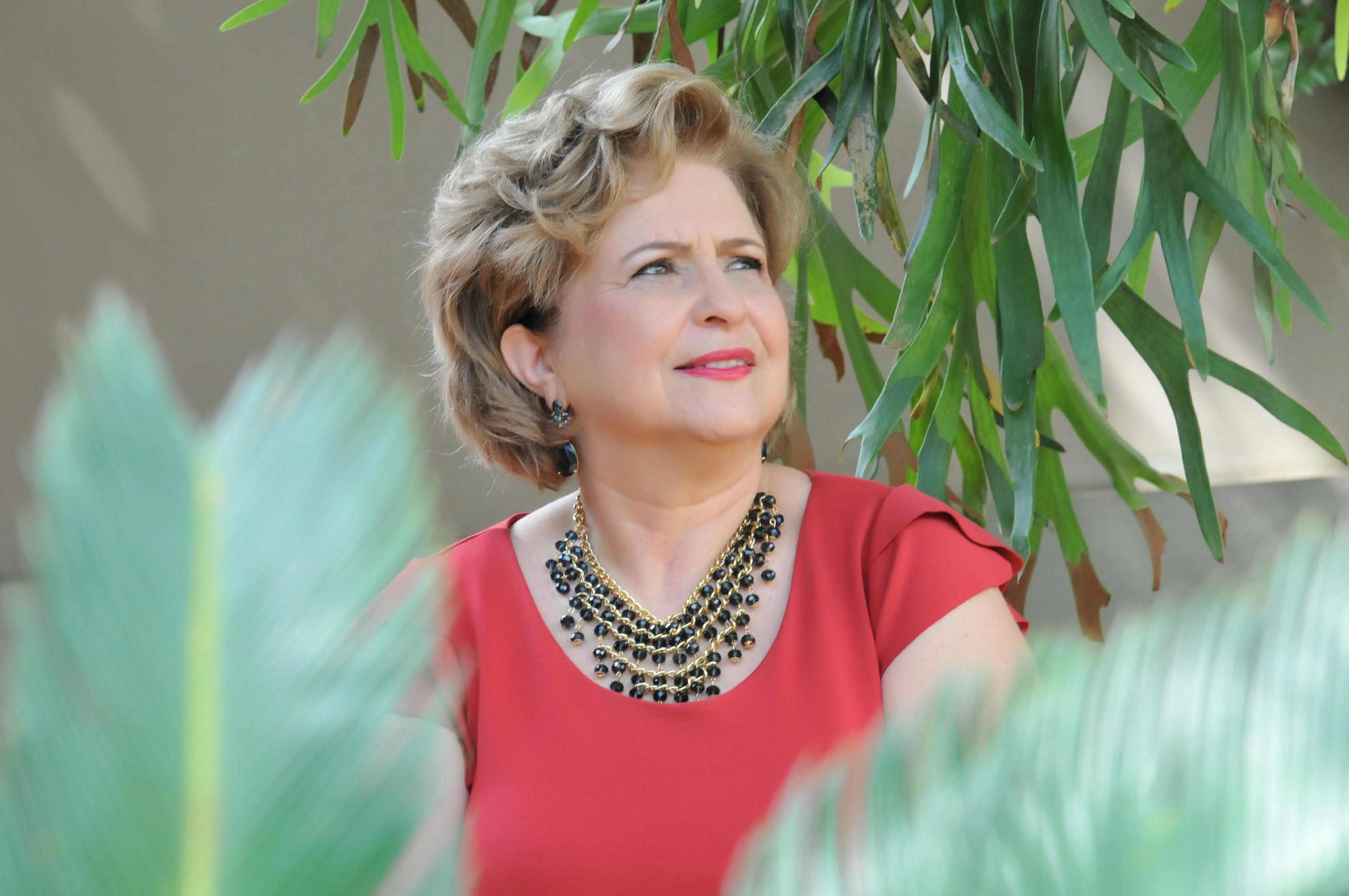 Cantora Cida Ajala apresenta show autoral inédito em Presidente Prudente nesta sexta-feira