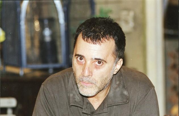 José Clementino, personagem do ator em 'Torre de babel', passou 20 anos na cadeia após matar a mulher e deixou a prisão jurando vingança contra seu delator (Foto: Jorge Baumann)