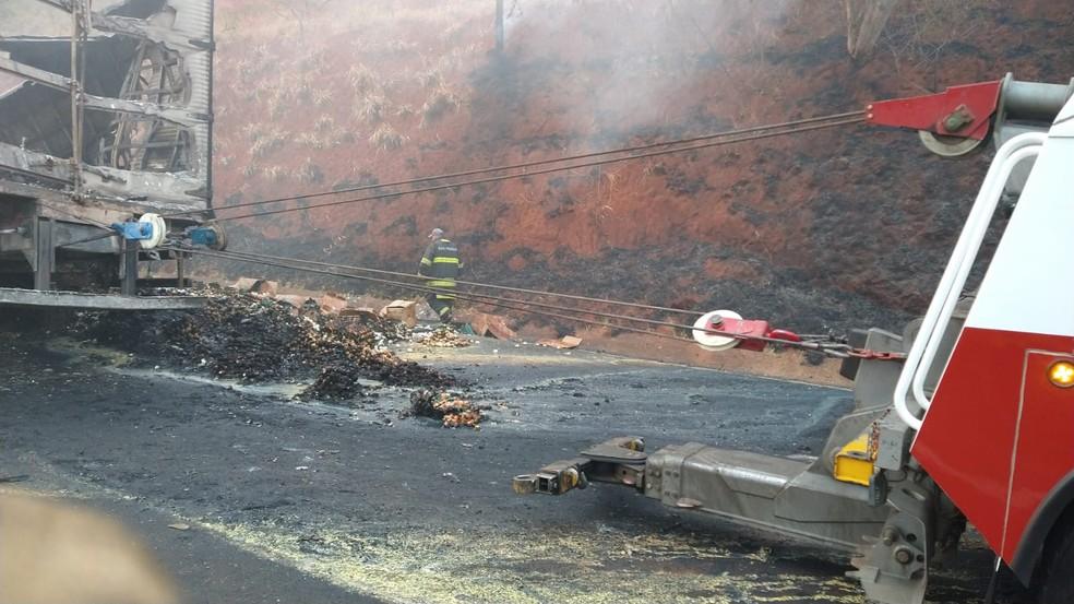 Acidente entre caminhões provoca morte na rodovia Castello Branco — Foto: Polícia Rodoviária/ Divulgação