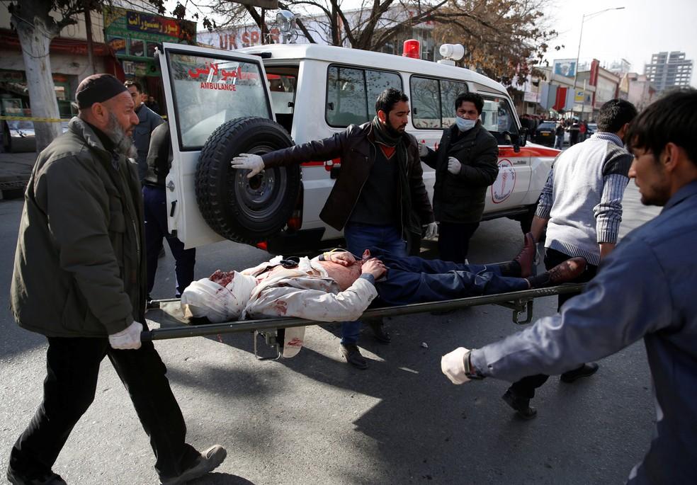Ataque Com 'ambulância-bomba' Deixa Mais De 90 Mortos E