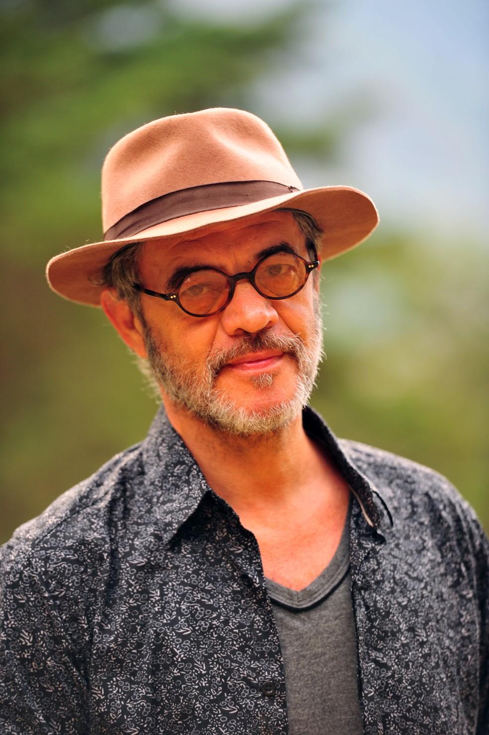 Jean Pierre Noher é o Duque, grande amigo de Cassiano (Henri Castelli), em 'Flor do Caribe' — Foto: João Miguel Júnior/Globo