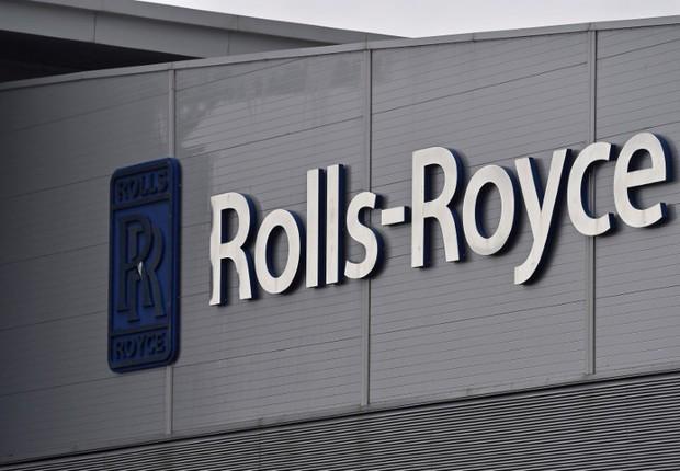 Logo da Rolls-Royce visto em prédio da companhia em Bristol, Reino Unido (Foto: Toby Melville/Reuters)