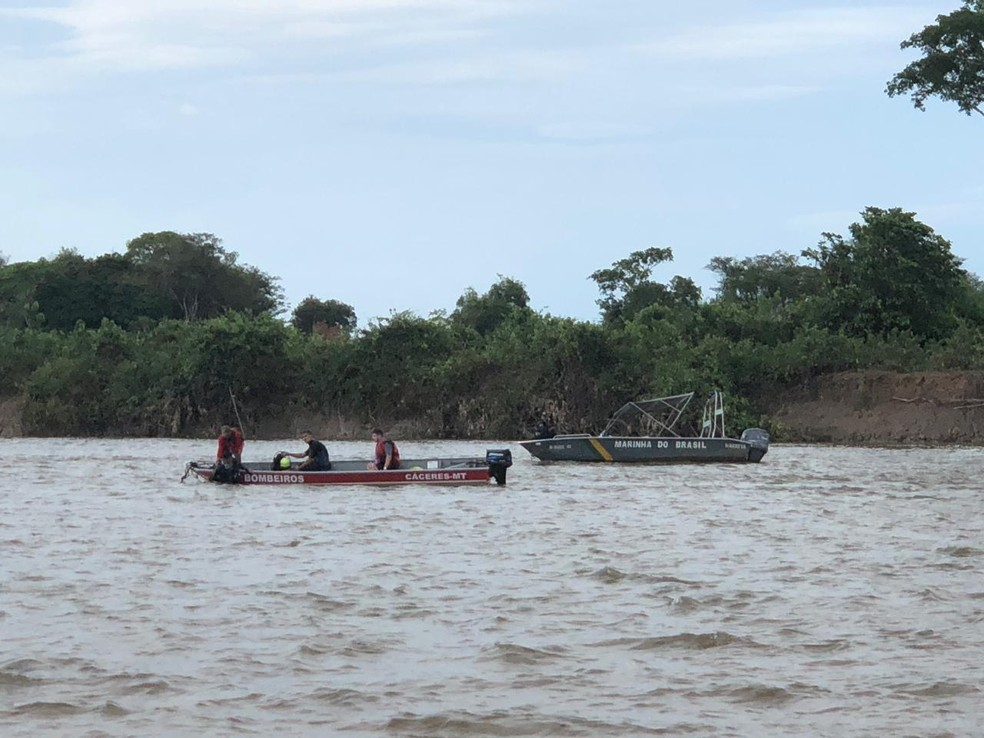 Bombeiros buscam estudante de medicina que desapareceu no Rio Paraguai — Foto: Tenente Paulo Felipe/Corpo de Bombeiros-MT