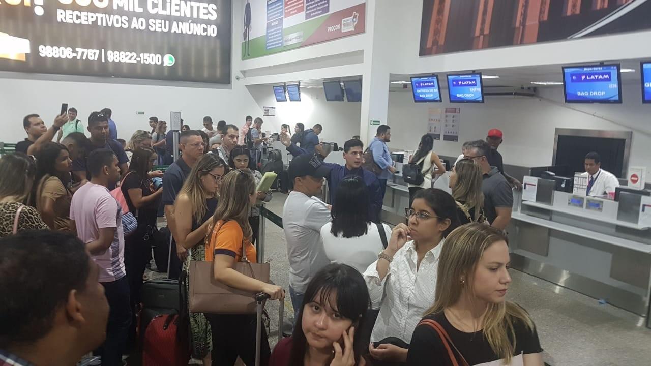 Por problemas no avião, voo da Latam é cancelado em São Luís e irrita passageiros