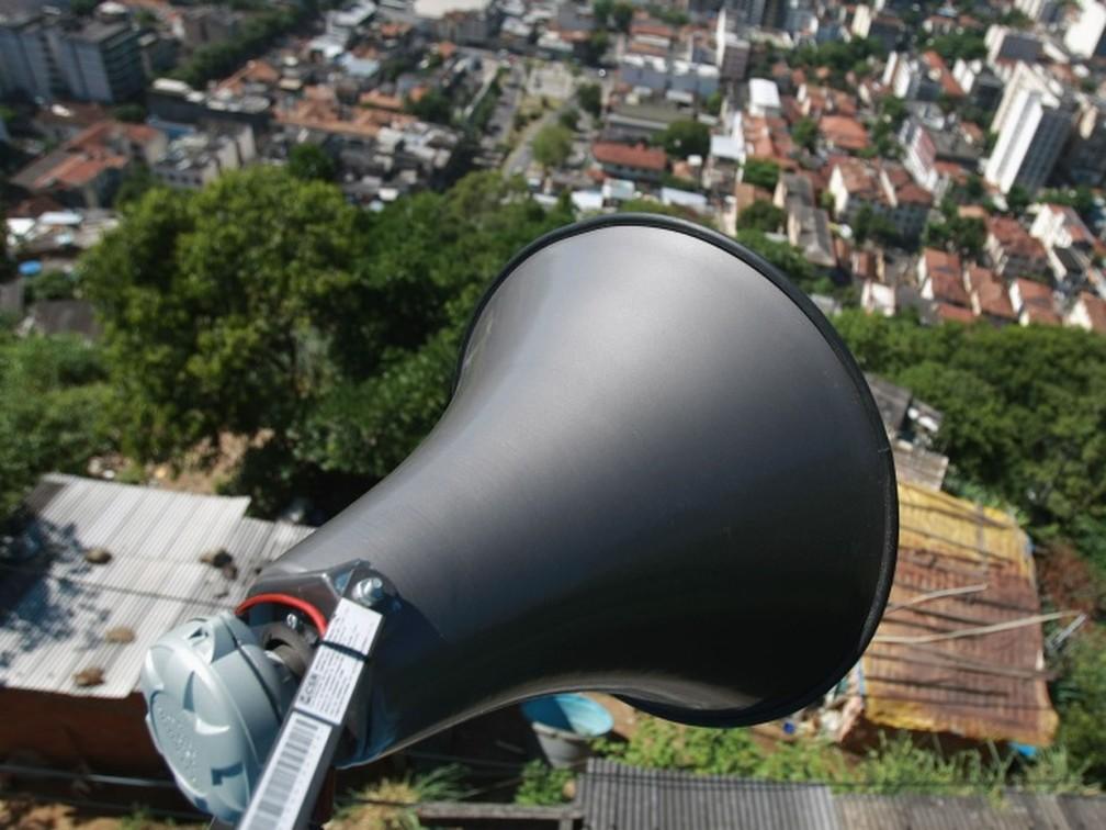 Sistema de alerta e alarme por sirenes em áreas de risco foi implantado após a tragédia de 2011 — Foto: Divulgação / Ascom PMP Petrópolis