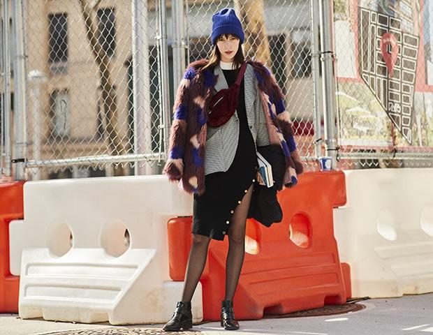 Vestidos no inverno funcionam com meias e camadas na parte de cima (Foto: Imaxtree)