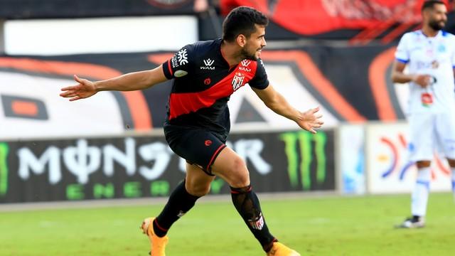 Zé Roberto fez o gol do Dragão no tempo normal