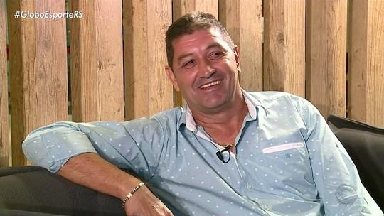 Rivarola engrossa torcida pelo Grêmio no Paraguai e elogia Geromel e Kannemann