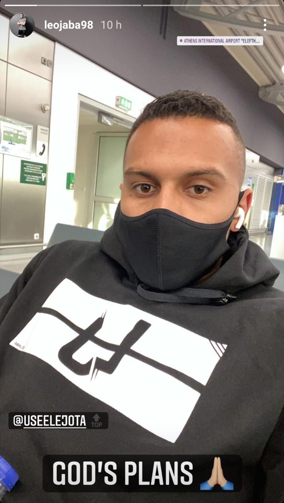 Léo Jabá postou foto em aeroporto na Grécia, mas destino não é o Flu — Foto: Reprodução / Instagram