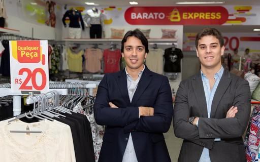 f699687ba8546 Após quase fechar, loja de roupas começa a vender tudo a R$ 20 e fatura R$  5 milhões - PEGN   Moda
