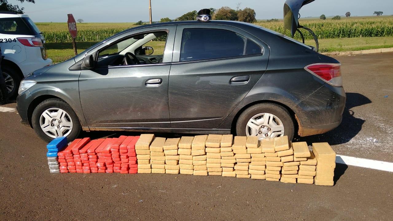 Polícia Rodoviária apreende cerca de 100 quilos de maconha em rodovia de Palmital