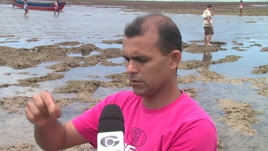 Moedas antigas são achadas em trecho da Praia do Peba, Alagoas