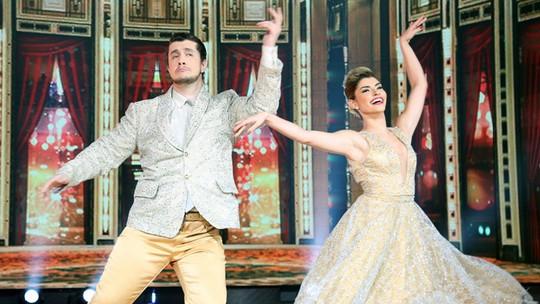 Bruno Boncini faz bonito no foxtrote no 'Dança dos Famosos'