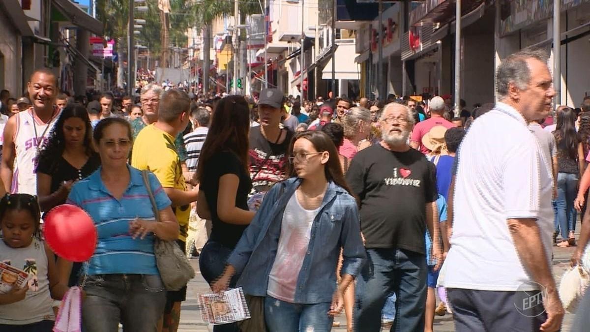 Comércio de Campinas espera movimentar R$ 2,4 bilhões no Natal; lojas têm horário especial