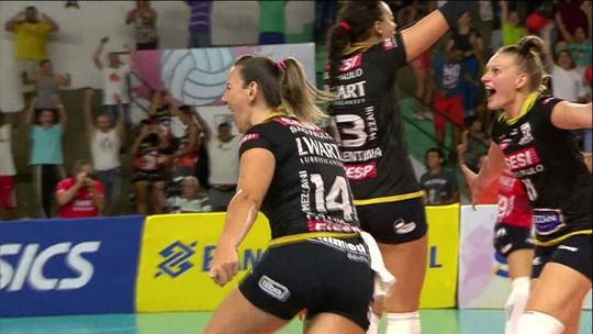 Barueri vence o Osasco e Sesi bate o Rio pelas quartas de final da Superliga