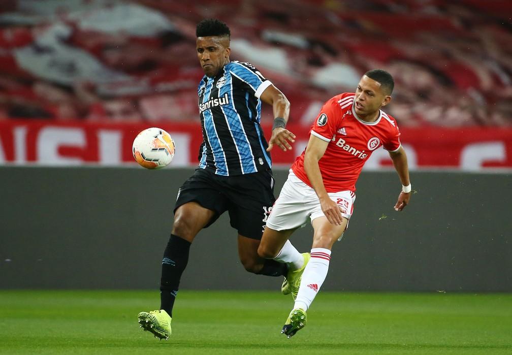 Cortez, Marcos Guilherme, Inter x Grêmio — Foto: REUTERS/Diego Vara