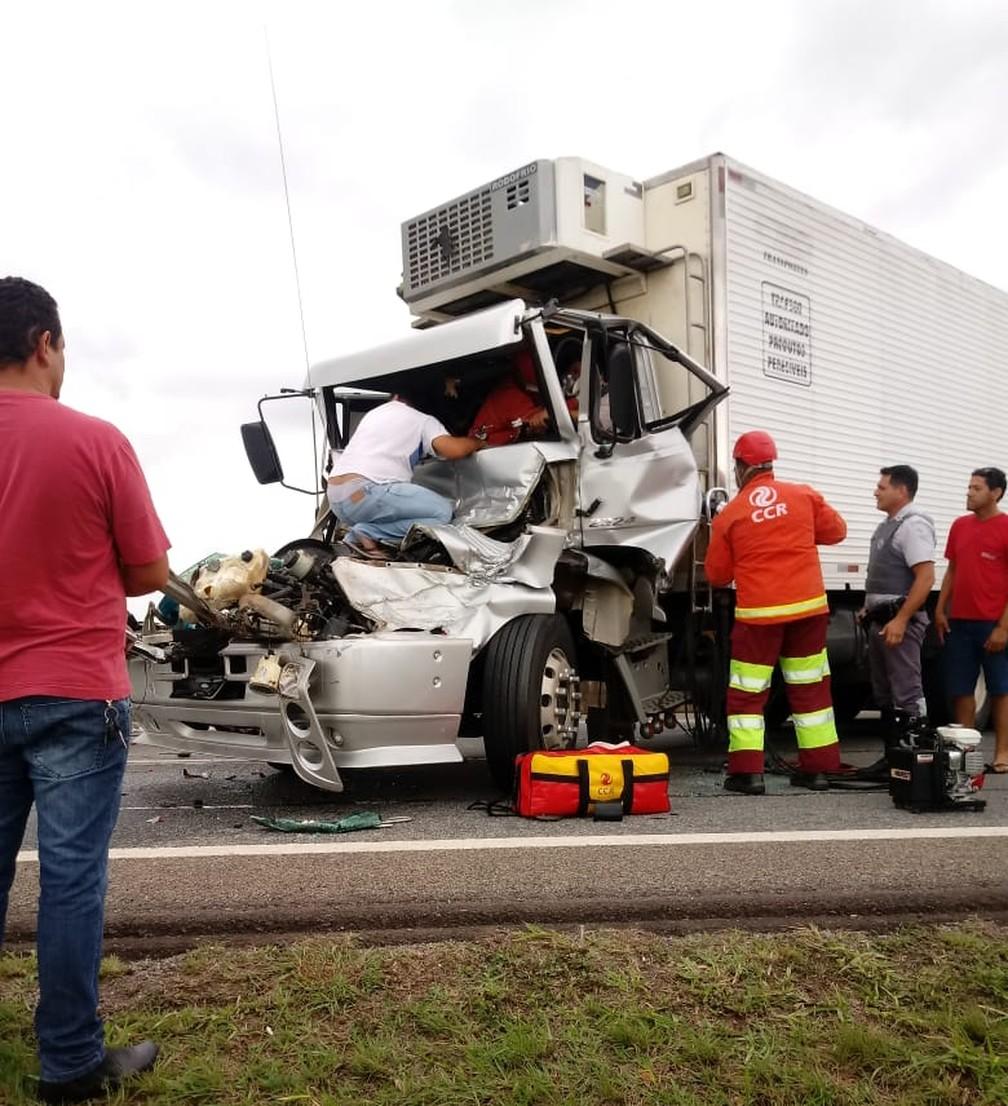 Acidente deixa dois feridos e causa congestionamento em Limeira  — Foto: Roberto Pinho/Arquivo pessoal