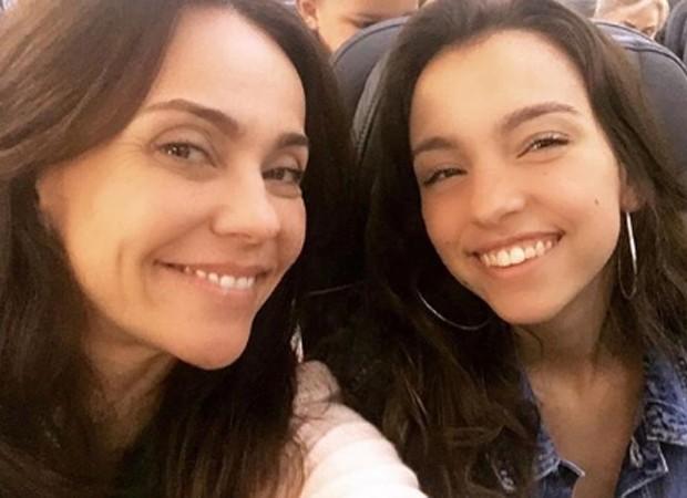 Flávia Monteiro e a sobrinha, Carolina (Foto: Reprodução/Instagram)