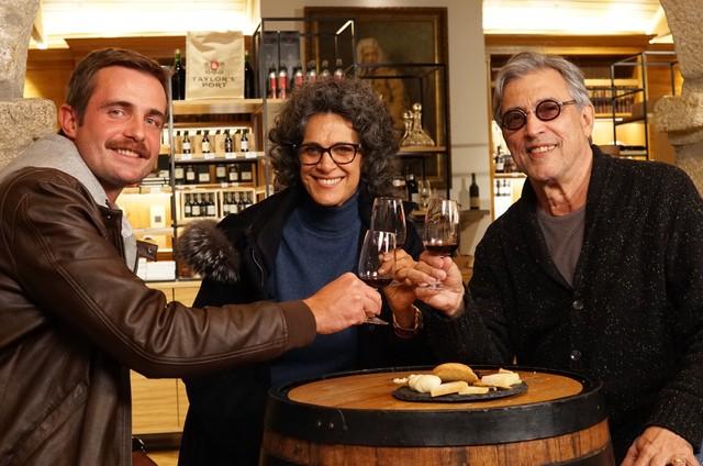 Max Fercondini gravou com Simone e Ivan Lins no Porto para a segunda temporada do programa 'Sem cortes' (Foto: Divulgação)