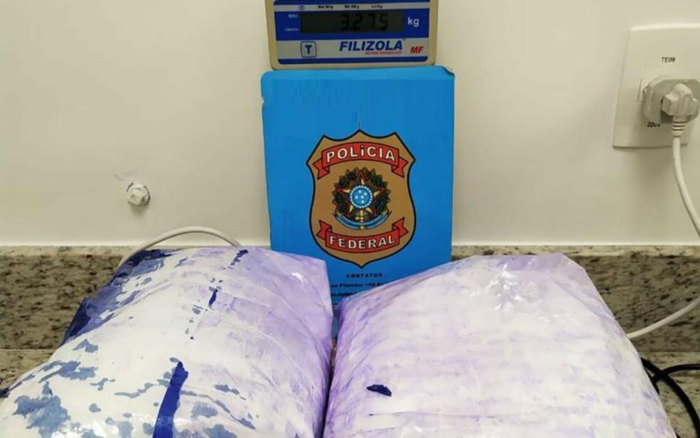 Casal é preso com mais de 3 kg de cocaína no aeroporto de Salvador, ao tentar levar droga para Portugal — Foto: Divulgação/PF -BA