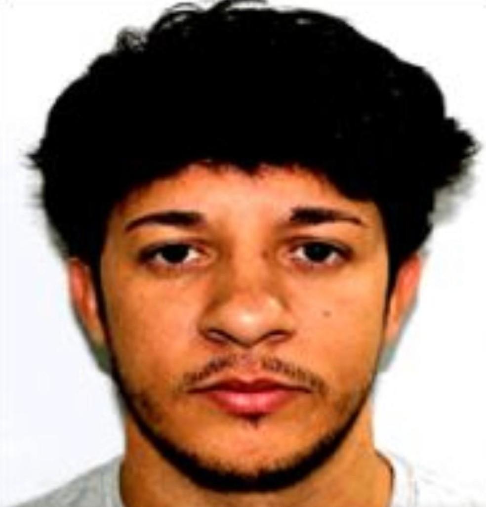 Leandro Simões Nascimento Furtado, o Diminho, fornecia armas e munições do Complexo do Alemão, segundo a polícia. — Foto: Reprodução