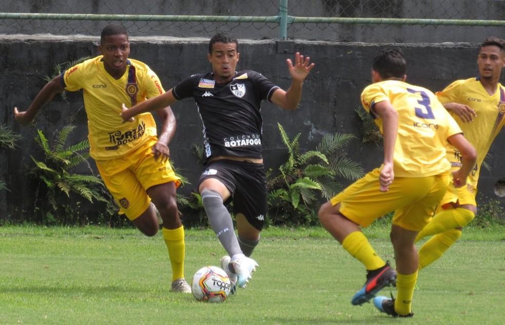 Botafogo foi derrotado de virada com um gol de pênalti nos acréscimos e está fora da Taça Guanabara Sub-20 — Foto: Fábio de Paula/Botafogo