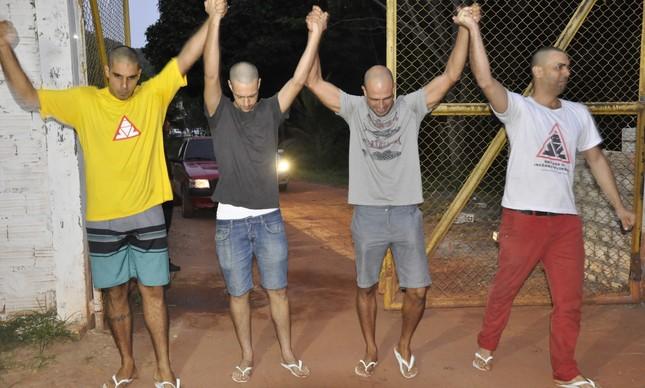 Voluntários que combatiam incêndios em Alter do Chão deixam a cadeia em Santarém (PA)