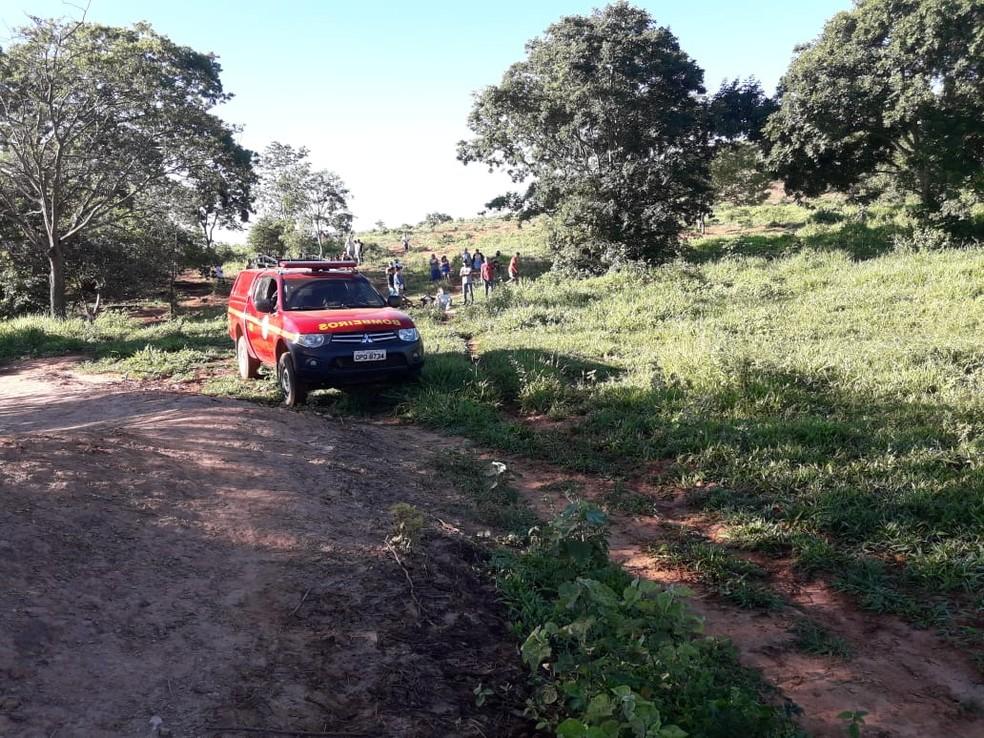 Lagoa fica em uma fazenda em Patis — Foto: Corpo de Bombeiros/ Divulgação