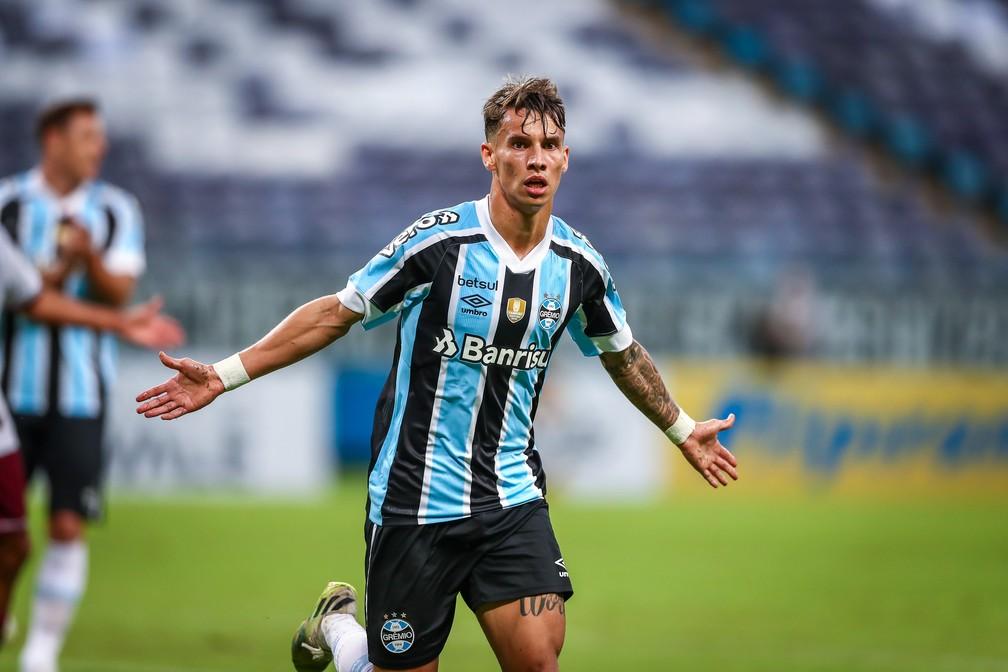 Ferreira comemora o segundo gol do Grêmio contra o Caxias — Foto: Lucas Uebel/Divulgação Grêmio