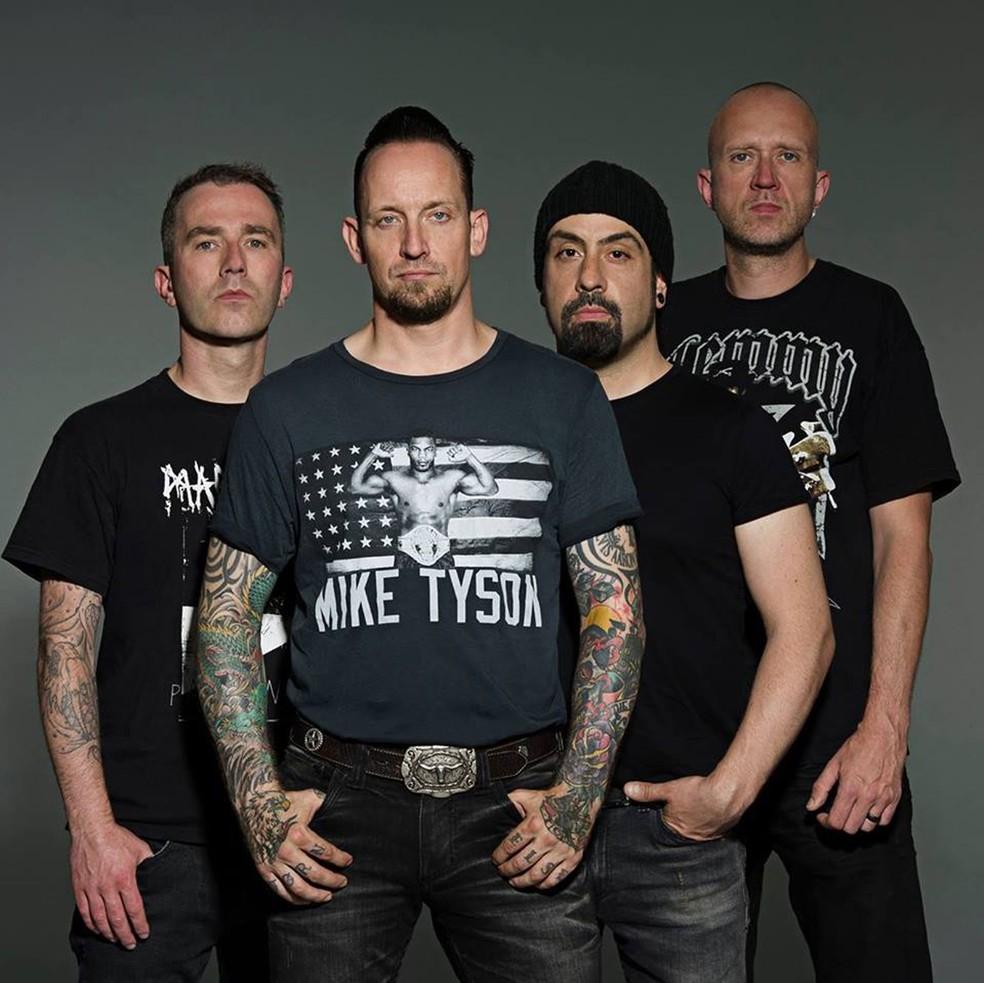 A banda dinamarquesa Volbeat, com o vocalista e guitarrista Michael Poulsen à frente (ex-boxeador e fã do esporte, ele usa camisa de Mike Tyson) (Foto: Divulgação)