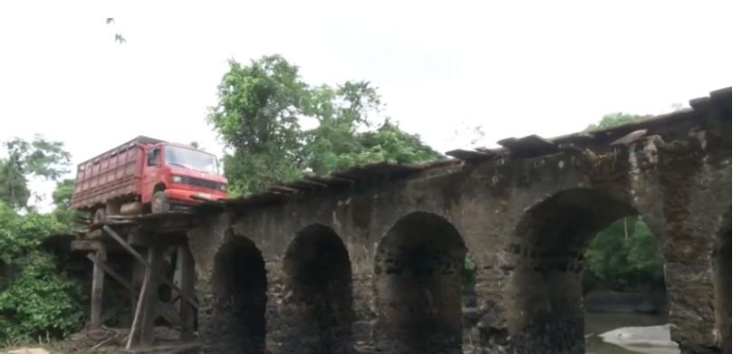 Seca deixa à mostra problemas estruturais em ponte histórica de Ariquemes, RO