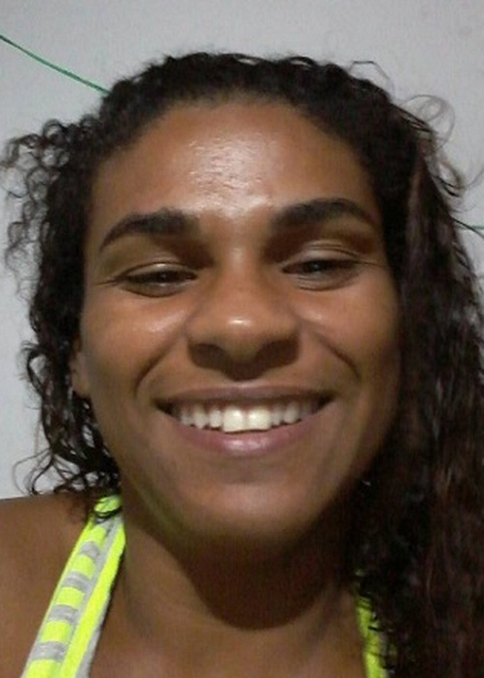 Renata Oscar de Castro, 28 anos, foi esfaqueada pelo marido  — Foto: Arquivo pessoal