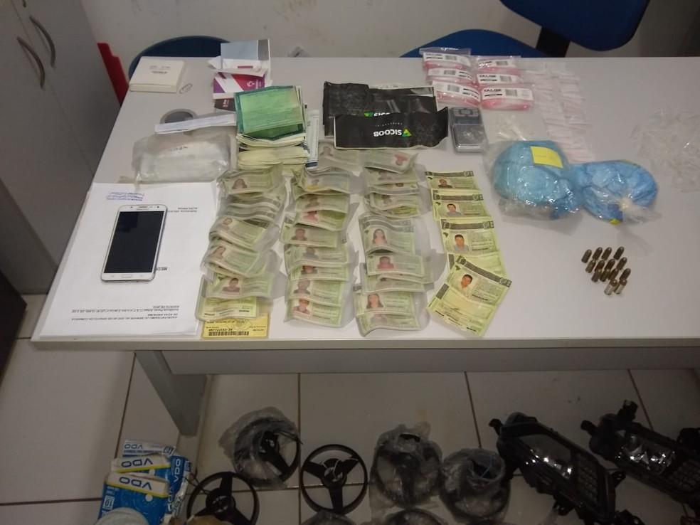 Suspeitos foram encaminhados para as unidades prisionais de Açailândia e Davinópolis. — Foto: Divulgação/Polícia Civil