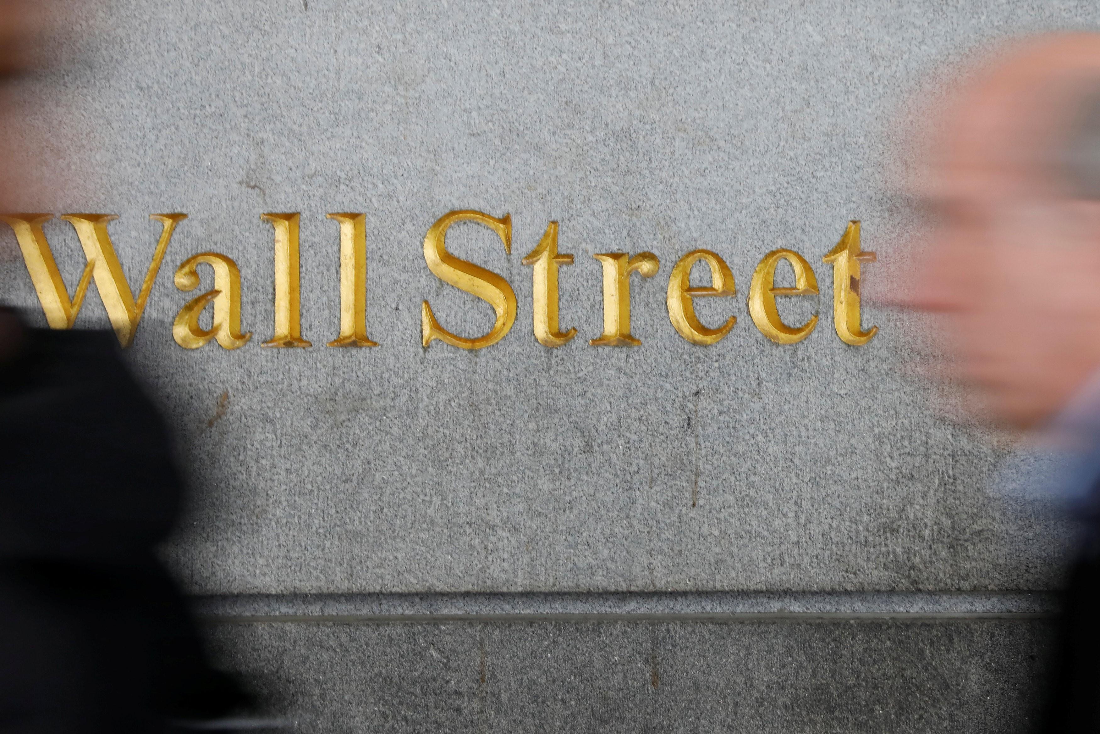 Bolsas dos EUA fecham em alta com foco em estímulos