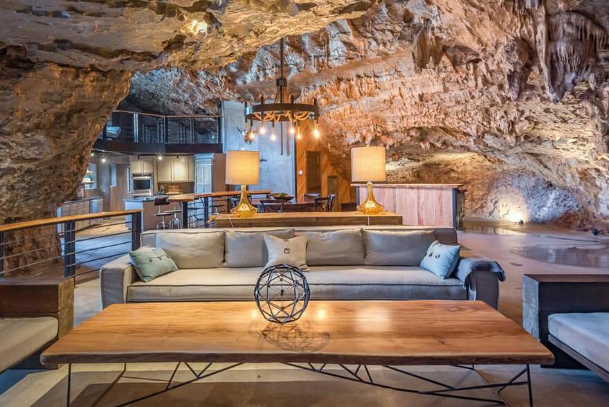 Caverna de luxo é opção para quem busca maior contato com a natureza (Foto: Divulgação)
