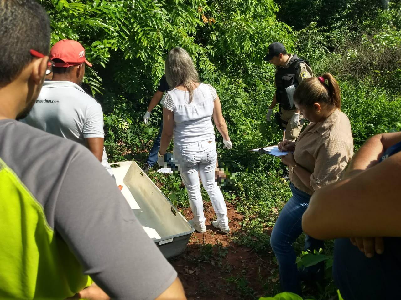 Morador sai para alimentar animais e encontra corpo de homem em região de chácara - Radio Evangelho Gospel