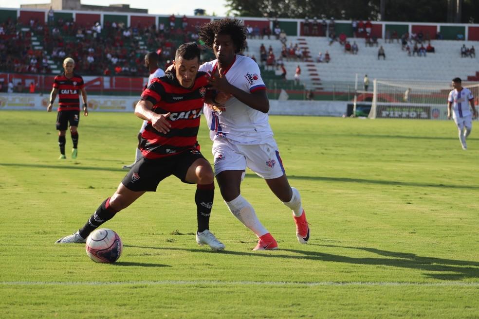 d6ee38c630f62 ... Vitória e Bahia de Feira empataram o jogo de ida em 1 a 1 — Foto