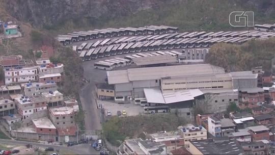Rodoviários da empresa Estrela Azul fazem paralisação no Rio