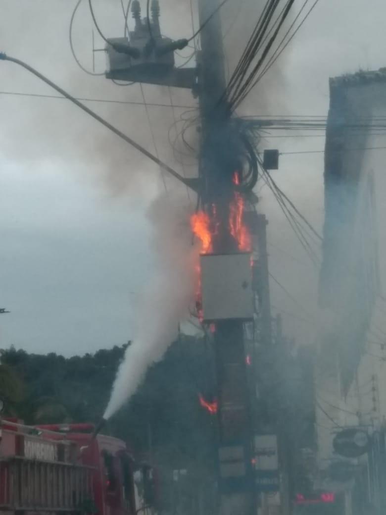 Transformador explode e deixa moradores sem energia elétrica em Angra dos Reis - Notícias - Plantão Diário
