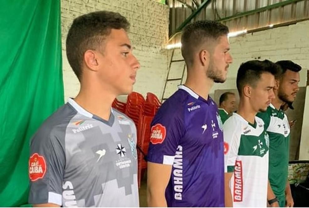 Uniformes foram apresentados neste sábado  — Foto: UEC/Divulgação