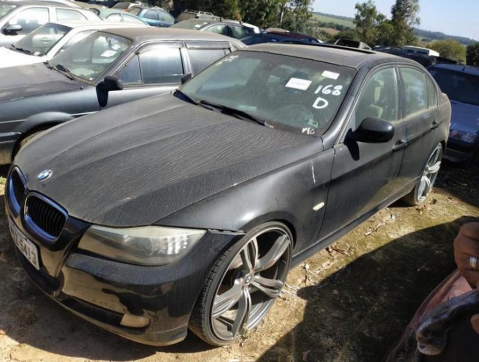 Nos leilões, carros importados podem ser comprados por um preço muito menor — Foto: Detran.SP