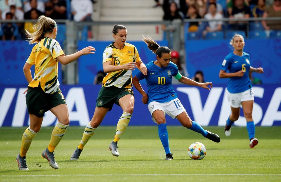 Marta em ação pelo Brasil contra a Austrália — Foto: Reuters