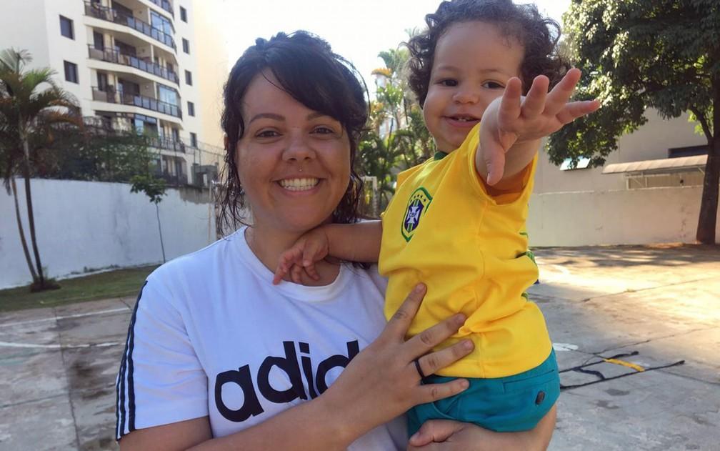 Maybi Donadeli e a filha Malu — Foto: Gabriela Gonçalves/G1