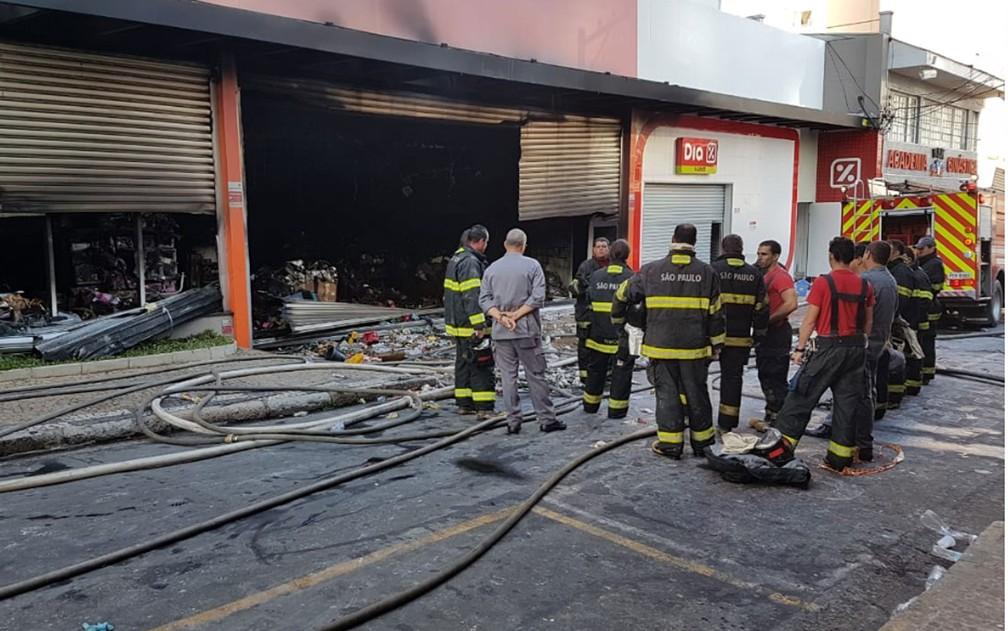Loja atingida por incêndio no Centro de Campinas — Foto: André Natale/EPTV