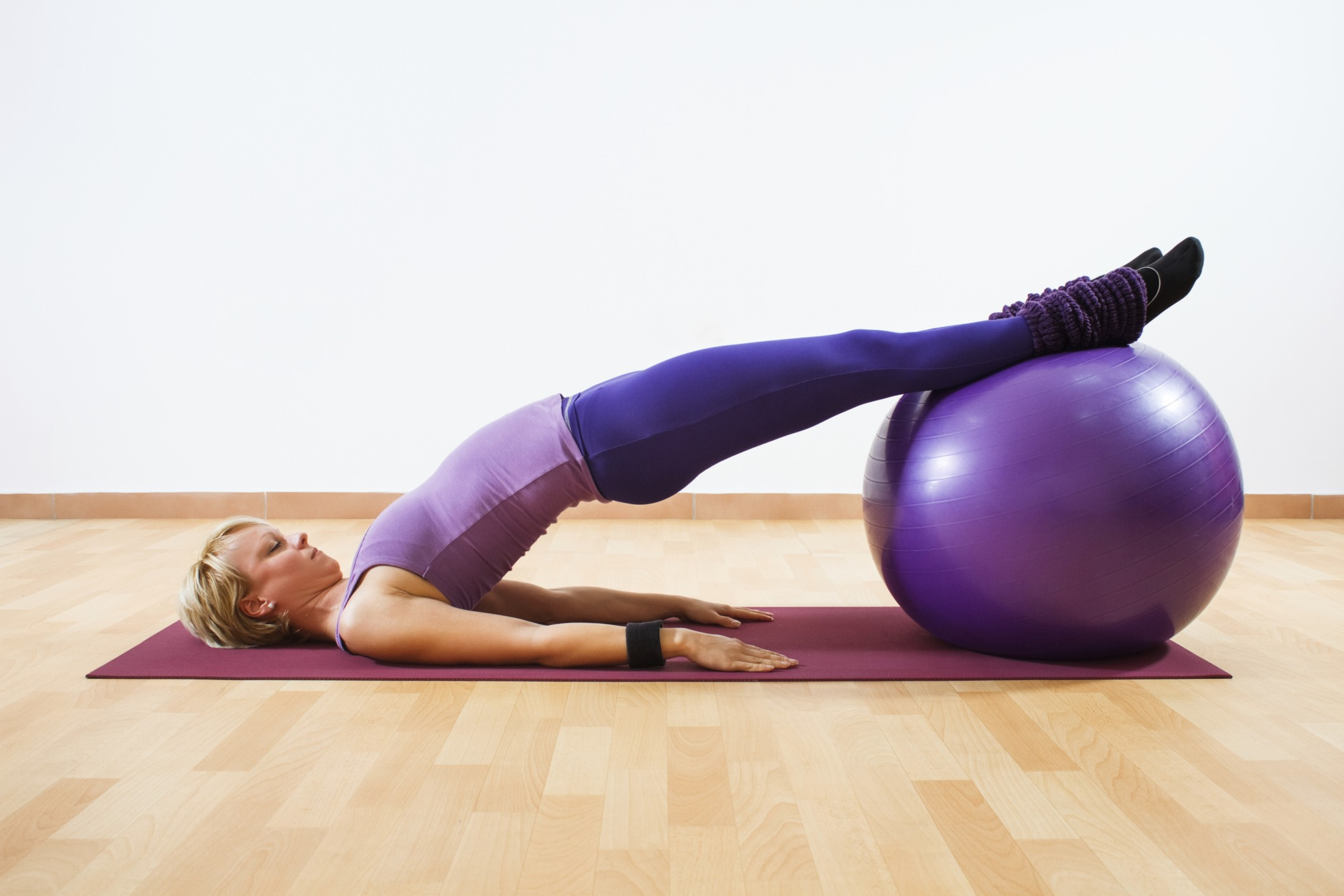 Que tal uma aula de pilates? (Foto: Think Stock)