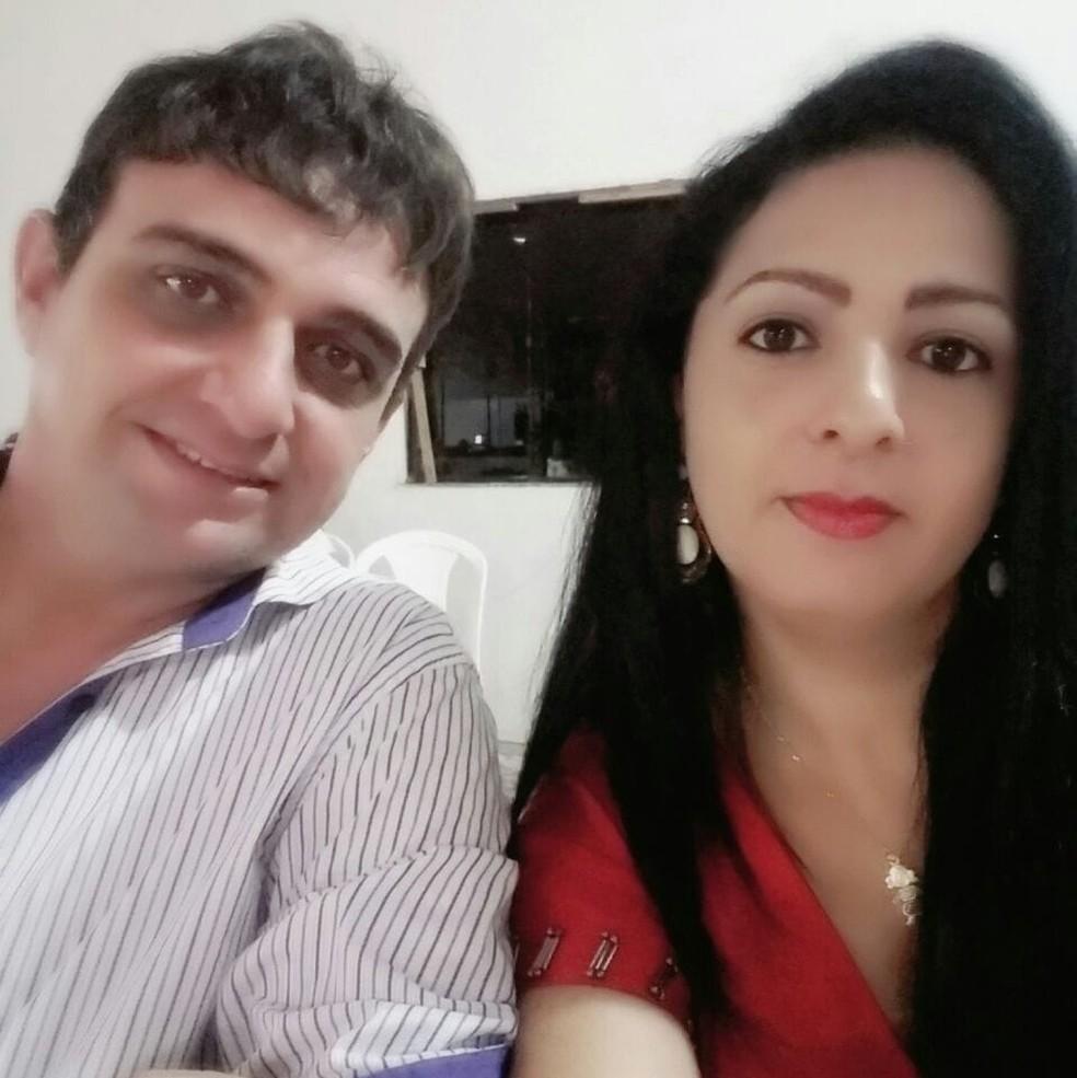 Morreram no acidente Maria Cristina da Silva, de 40 anos, e o marido dela, Moisés Marcio Petrucci, de 42 — Foto: Facebook