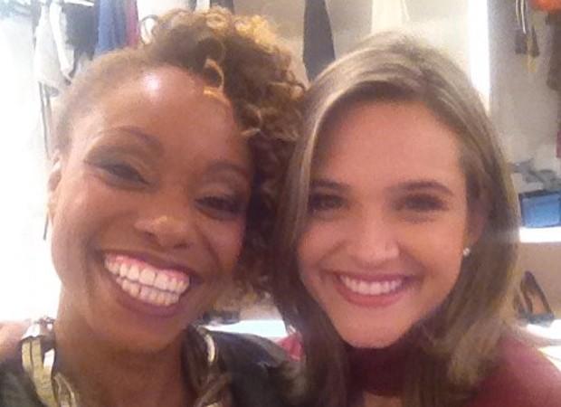 Vanessa Pascale e Juliana Paiva nos bastidores de Totalmente Demais (Foto: Reprodução/Instagram)
