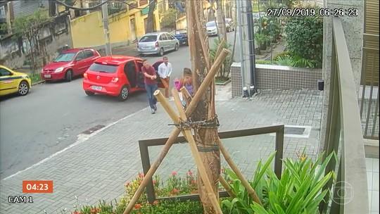 Polícia descobre estufa com plantação de maconha dentro de guarda-roupa em Cuiabá