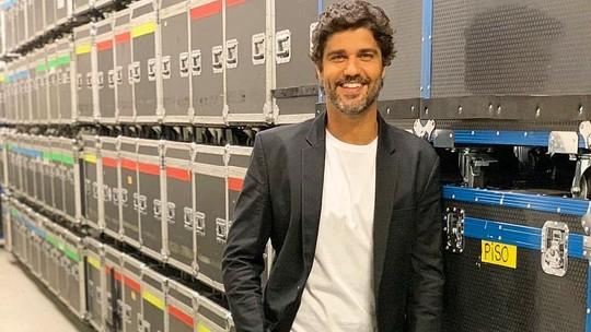 Bruno Cabrerizo sobre relação com Carol Castro: 'Estou namorando e muito feliz'