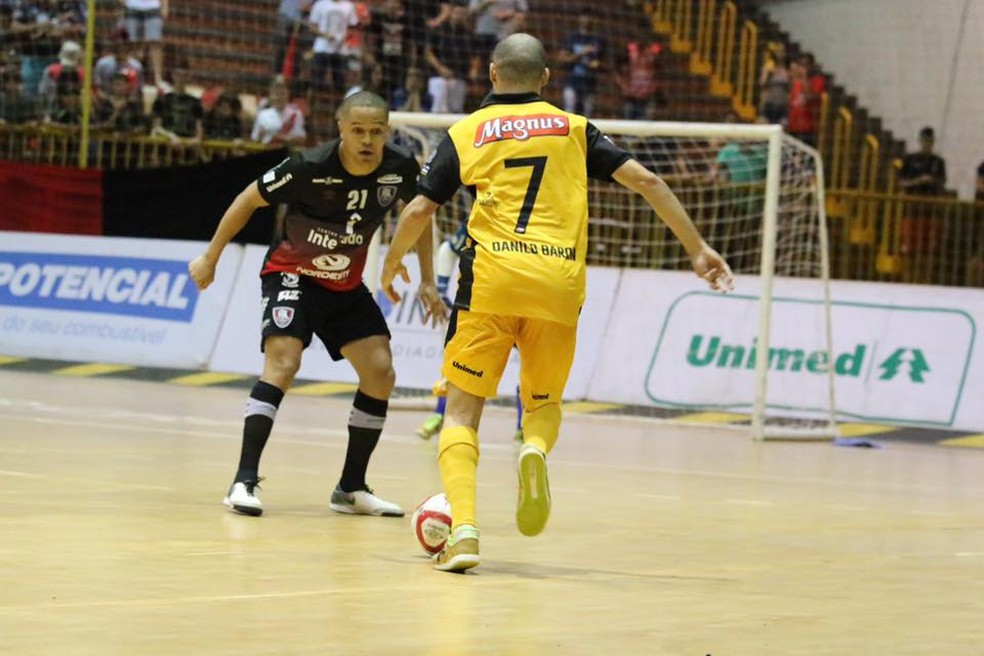 Sorocaba e Campo Mourão empataram partida de ida no Paraná  — Foto: Guilherme Mansueto/Magnus Futsal